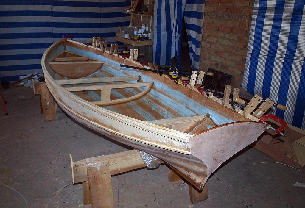 Una barca de remos 5993308500_3f36668578_b