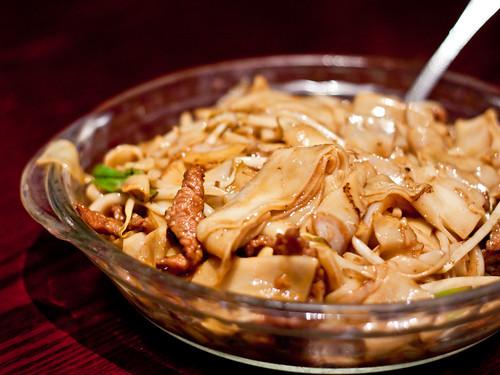 Beef chow fun (乾炒牛和)