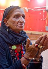 praying (Anahita Hashmani) Tags: pakistan tradition malang sufi sindh urs beggers dhol sufisaint malangs qalandar fakirs pakistanheritage sehwanshareef lalshehbazqalandar jhuleylal