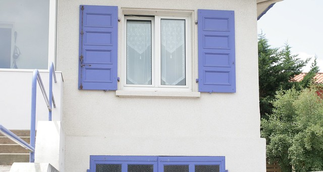 matching shutters and garage