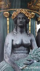 Paris - La dama gris (Polycarpio) Tags: poly gallardo polycarpio fotosdeparis jmgallardo fotosdefrancia juanmanuelgallardo polygallardo juanmgallardo