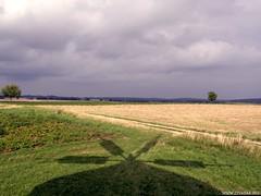 A malom árnyékában (Égfigyelő) Tags: geotagged bakony tés árnyék szélmalom sp550
