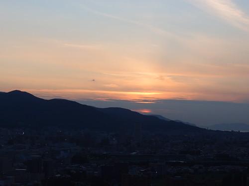札幌 ホテルの窓から - 夕焼け
