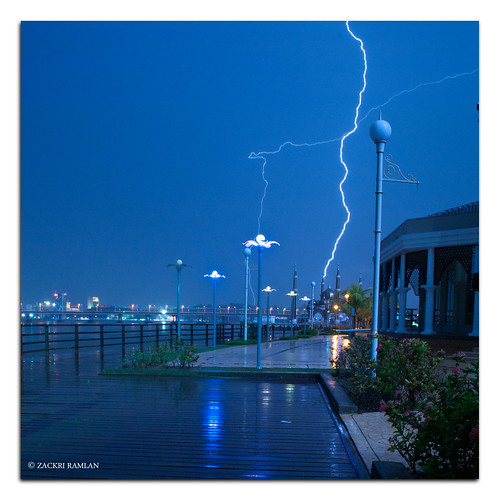 Lightning Strike by Zackri Zim'S