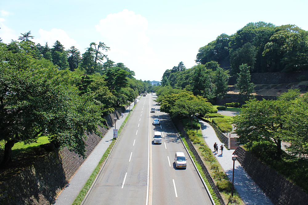 石川門より