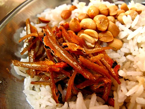 IMG_0921 香茅饭 + 江鱼仔+ 炒花生。Lemongrass rice with fried anchovies and fried peanuts
