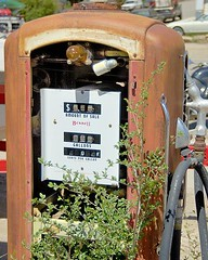 Bennett Gas Pump (Photography by Martin Garfinkel) Tags: auto old usa cars abandoned car metal truck vintage outside us junk rust vintagecar automobile decay antiquecar country rusty automotive forgotten oxidation vehicle weathered aged oldcar crusty corrosion decayed corroded americanantique bennettgaspumprustyvintageold roadsidegallery