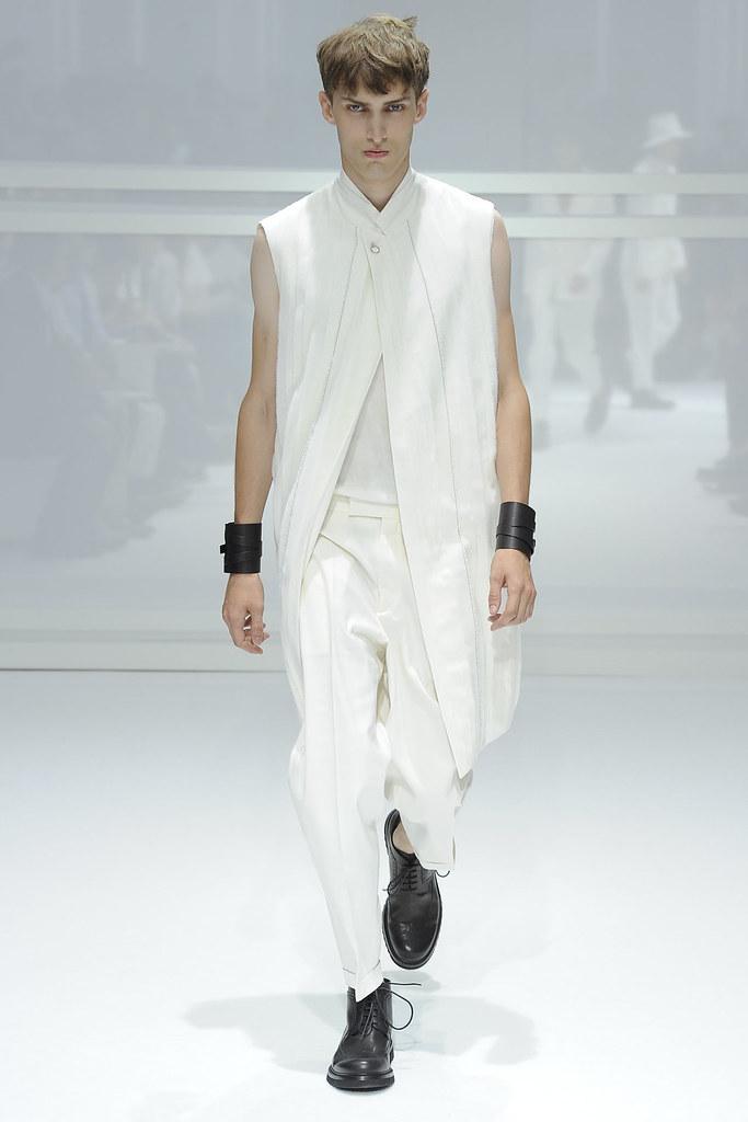 Charlie France3494_SS12 Paris Dior Homme (VOGUEcom)