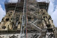 Escalier de chantier (zigazou76) Tags: notredame cathdrale rouen escalier chantier ascenseur rampe