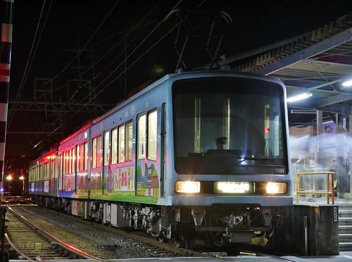 江ノ電2003F+1201F稲村ヶ崎行き最終電車@長谷