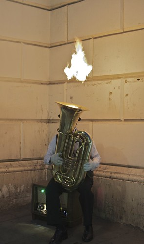 Trombone de feu - Londres 2011 by zabmocaled