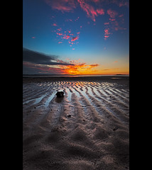 Patterns (itsgottabered) Tags: pink sunset texture rock clouds canon sand seascapes dusk australia queensland ripples wello 1740lusm hitechfilters 5dmkii