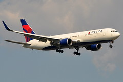 Delta Air Lines - Boeing 767-300ER - N1611B - John F. Kennedy International Airport (JFK) - July 15, 2011 1 175 RT CRP (TVL1970) Tags: airplane geotagged nikon aircraft aviation delta jfk boeing airlines ge 767 airliners jfkairport winglets generalelectric boeing767 kennedyairport b767 767300 deltaairlines gp1 d90 767332 767300er johnfkennedyinternationalairport b763 cf680 boeing767300 cf6 jfkinternational kjfk nikond90 nikkor70300mmvr 70300mmvr 767332er n1611b themounds boeing767300er generalelectriccf6 aviationpartners nikongp1 cf680c2b6f 767300erwl 767332erwl