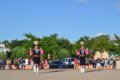 Native Dancing (Pea Bwain) Tags: arizona women dancers dancing native pot navajo