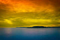 Twilight colors (Kartik J) Tags: ocean light sunset sky usa sun water night clouds landscape washington twilight rainforest cloudy pacificocean sonycamera a500 sonydslr sonydigitalslr sonyalphadslr sal18250 sonydslra500 sonyalphadslra500
