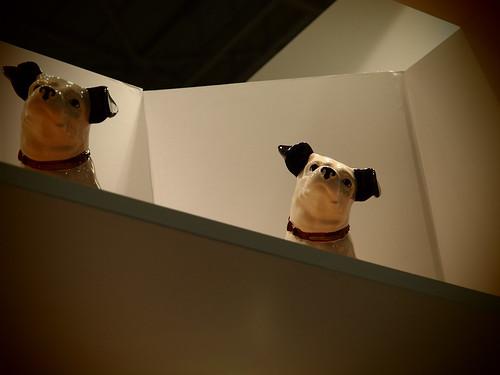CP+ 2011 - ビクターブースの犬