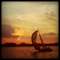 sun set sail (nardell) Tags: sunset philadelphia sailboat square sailing squareformat sail hefe iphoneography cellularlife instagramapp uploaded:by=instagram