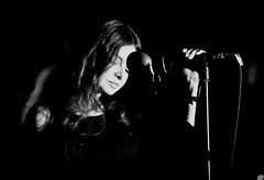 Hope Sandoval and the Warm Inventions