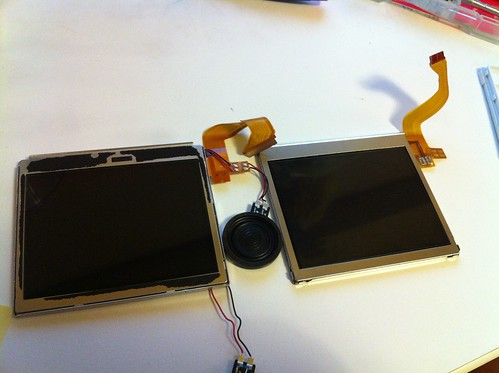 Replacing DS Light's upper LCD