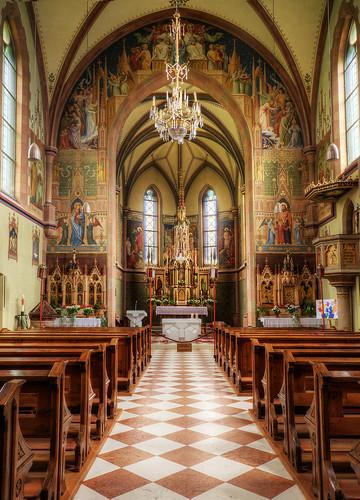 Proveis - Kirche