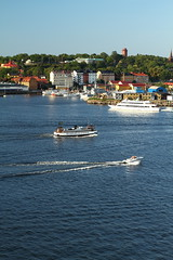 Stockholm Waterfront (AdurianJ) Tags: pictures summer canon europa europe stockholm capital nordic scandinavia suecia lenses 欧洲 スウェーデン 2011 ヨーロッパ nórdico escandinavia 瑞典 北欧 斯堪的纳维亚 capitor ノルディック