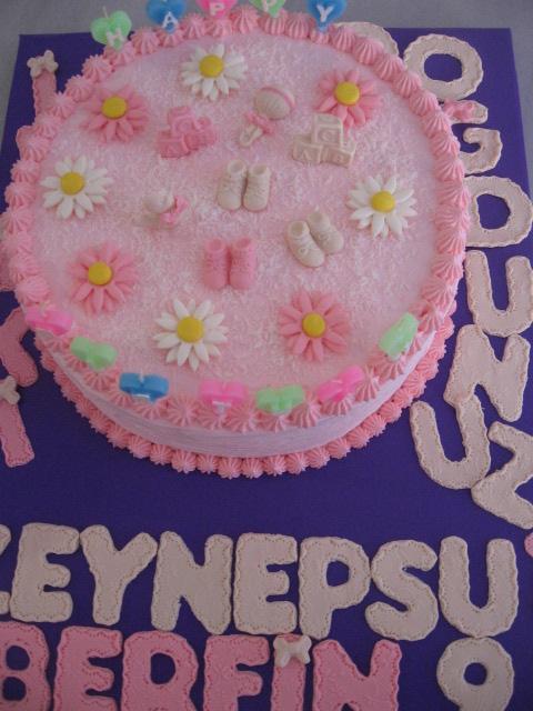 kremalı pastalar pembe