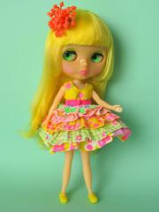 Lemon Curd (Helena / Funny Bunny) Tags: doll background retro blythe mrs lemoncurd funnybunny mamarblsolid fbfashion