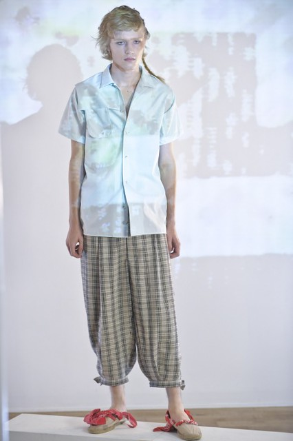 Sam Pullee3010_SS10 HOUSE OF THE VERY ISLANDS(fmag)