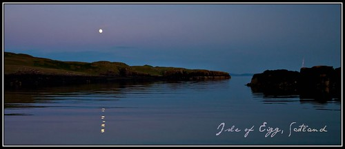 Full moon over the ocean - Isle of Eigg