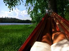 Med en bok i hängmattan (TinaOo) Tags: summer sunlight lake reading book hammock sommarminne fotosondag fs110807