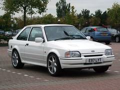 1988 Ford Escort RS Turbo (Stuart Axe) Tags: ford 1988 turbo 80s 1980s rs escort fordescort rsturbo rallyesport fordescortrsturbo e97lyt