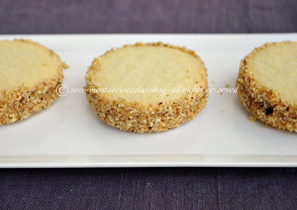 Dolci Da Credenza Biscotti Alle Nocciole : Biscotti alle nocciole il ricettario timo e lavanda