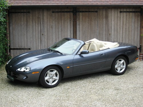 Jaguar XK8 Convertible (1997) LHD.