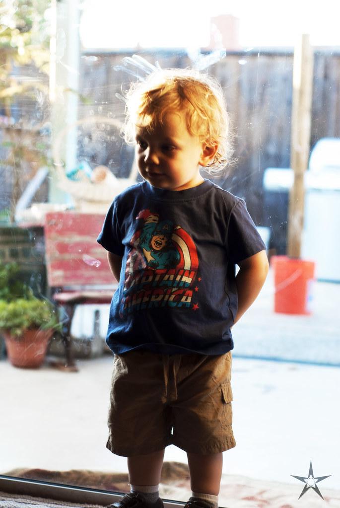 [seven] K in his Captian America Shirt