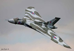XH558 (Grand-Poobar) Tags: lincoln waddington airshow wadd11 lincolnshire raf jonpym 2011 air aircraft airforce airplane aviation avro bomber classic failure farnborough flying force international jet machine mechanical military royal tow towed towing transport transportation truck vehicle vintage vulcan warfare xh558 16c aerospace blue england f fighter industry red sky smoke states technology thunderbirds united usaf white