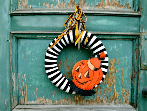1 - Halloween Wreath by thechicadeeshop