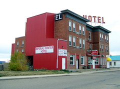 AB11j03 Imperial Hunter Hotel at Bassano, Alberta (CanadaGood) Tags: alberta ab newellcounty bassano prairie hotel sign tavern restaurant cocacola 2011 colour color red green building canada thisdecade canadagood text