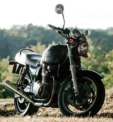 Wanna Ride? (Arnaud P-L.) Tags: old green bike pentax sigma vert retro motorbike zephyr moto motorcycle 105 kawasaki vieille 750 motocyclette k10d