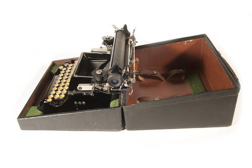 Perkeo typewriter case