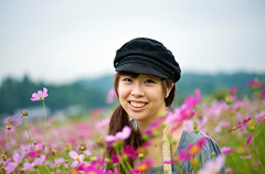 Kazuna Amid Cosmos (aeschylus18917) Tags: park pink flowers people woman flower cute nature girl beautiful smile japan season nikon women seasons purple f14 85mm kawaii 日本 saitama nikkor 花 asteraceae cosmos saitamaken koma かわいい 埼玉県 85mmf14d 美しい cosmosbipinnatus 85mmf14 asterales f14d 季節 巾着田 kinchakuda heliantheae utsukushii 季 saitamaprefecture d700 ダニエル nikond700 danielruyle aeschylus18917 danruyle druyle ルール ダニエルルール 飯能市 hannō hannōshi kinchakudapark