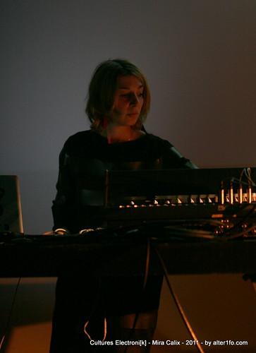 Cultures Electroni[k] 2011 - Mira Calix 7