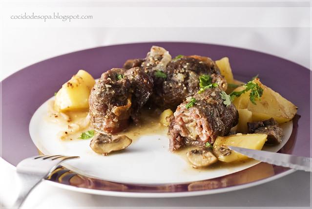 Rollitos de ternera con patatitas y champiñones_1