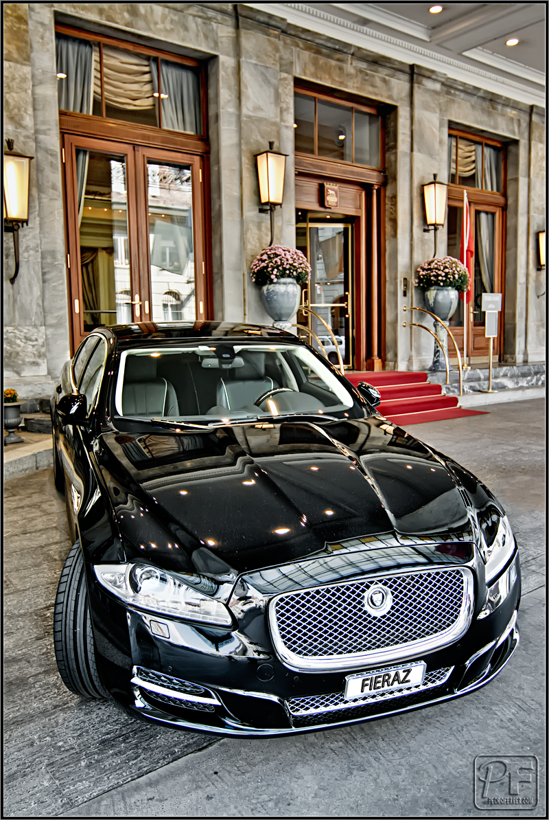 Suiza - Supercoches -Jaguar XJ Luxury - Hotel Bellevue Palace Berna