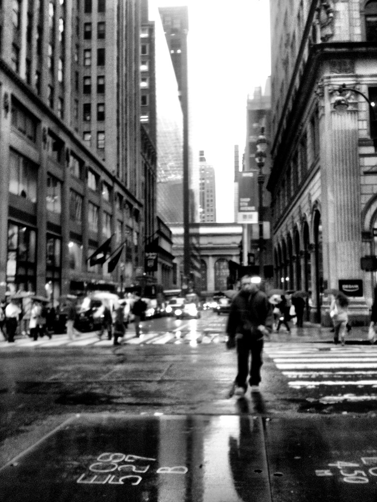 Rainy 43rd & 5 av #walkingtoworktoday