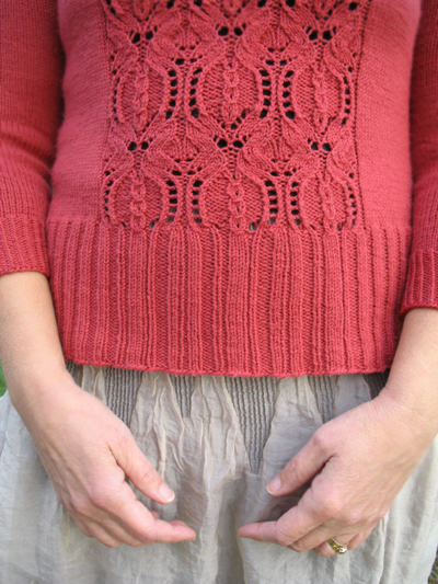 Pomegranate_Ribbing and Lace Detail