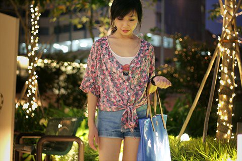 35_Floral Blouse - knot at waist