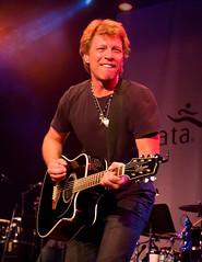 Bon Jovi doftar Avon