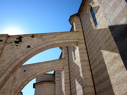 Buttresses in Assisi