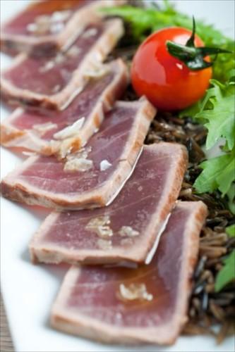 Lomo de atún con arroz salvaje y rucula nikkei-Caffé dei Poeti