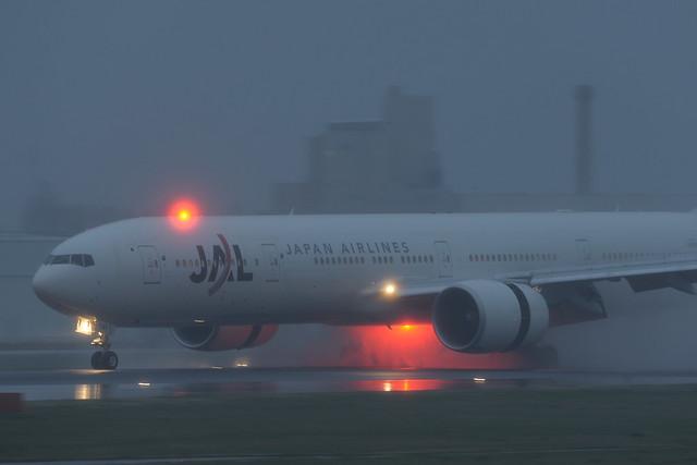 JAL B777-300ER
